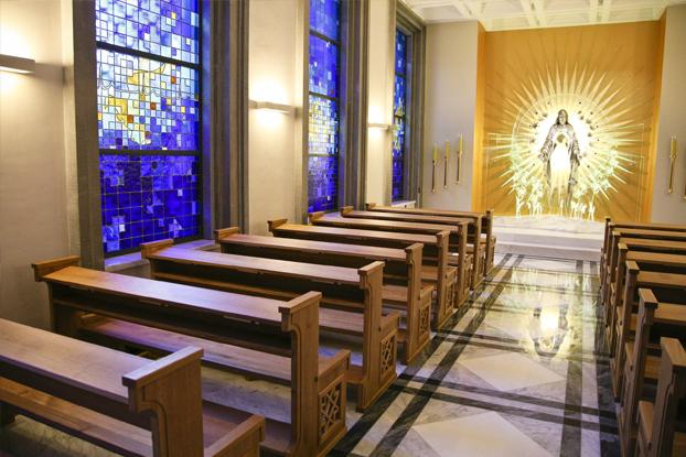 realizacja marmur kaplica niepokalanow